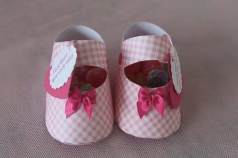 paper-baby-shoe-favors-1