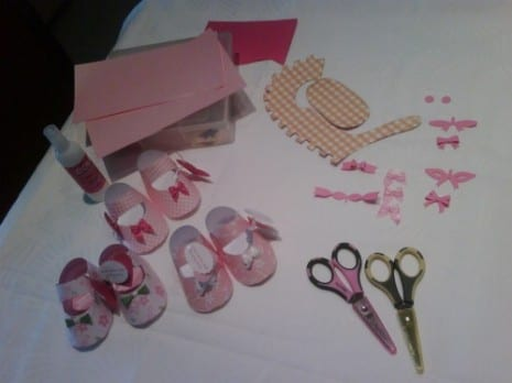 paper-baby-shoe-favors-3