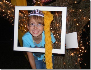 rapunzel-tangled-party-photo-booth