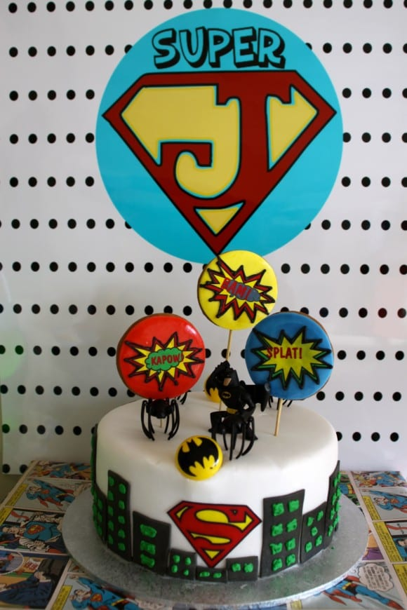 superhero-party-cake-5