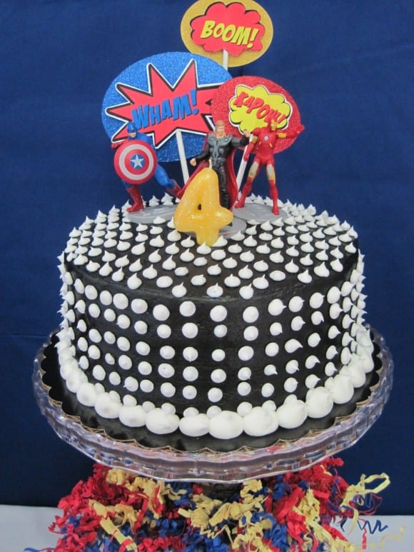 superhero-party-cake