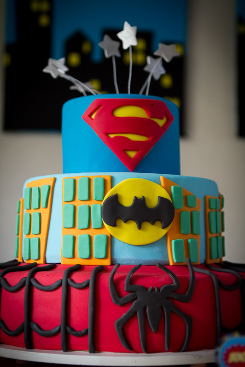 superhero-party-cake-7