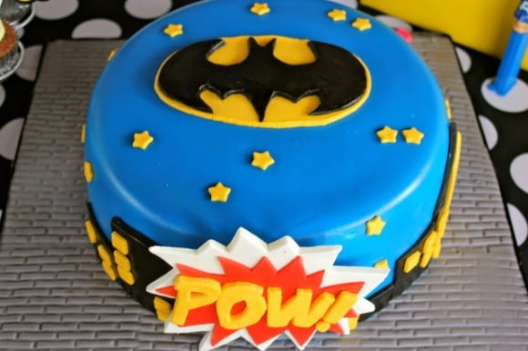 superhero-party-cake-batman