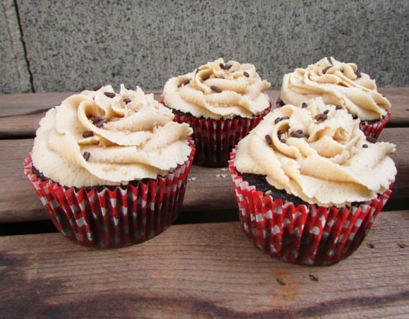 recipe-chocolate-peanut-butter-cupcakes
