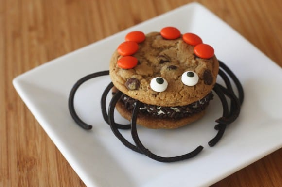 halloween-spider-ice-cream-sandwich-49A