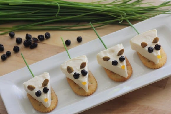 Cheese wedge mice DIY | CatchMyParty.com