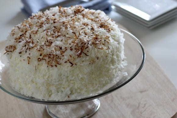 Toasted coconut cake recipe | CatchMyParty.com