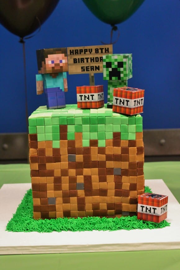 12 Amazing Minecraft Birthday Cakes Dirt Blocks Catchmyparty Com