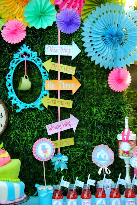 7 Alice in Wonderland Decoration Party Ideas | CatchMyParty.com