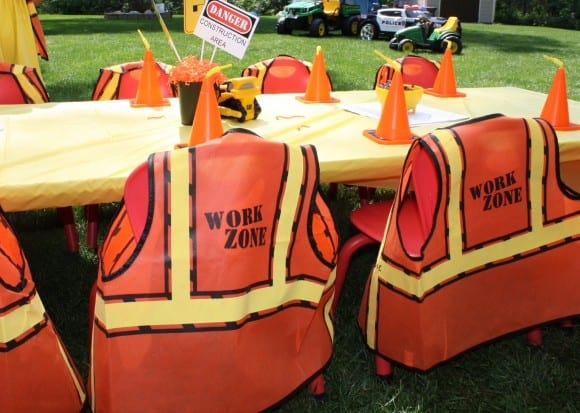 Construction Party Kids' Table Ideas | CatchMyParty.com