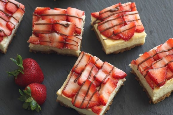 Strawberry Nutella Cheesecake Square Recipe | CatchMyParty.com