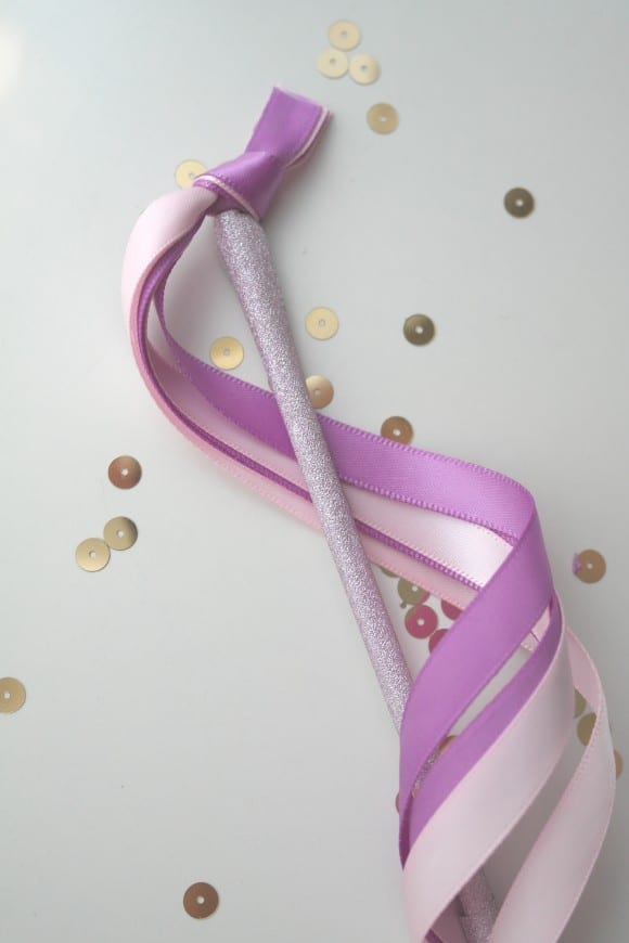 Washi Tape Ribbon Wands DIY | CatchMyParty.com