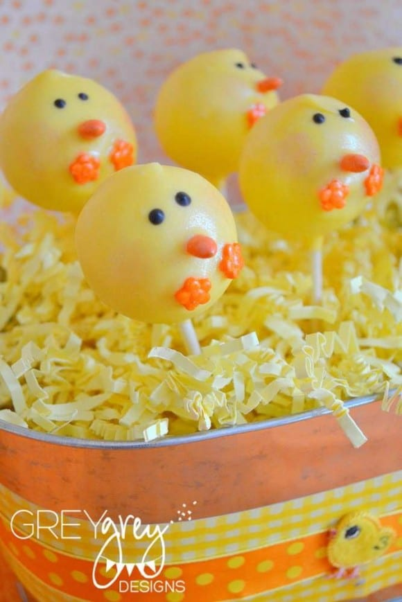 Chick cake pops | CatchMyParty.com