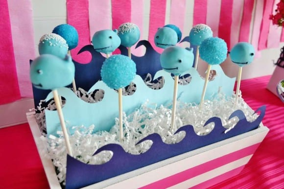 Whale cake pops | CatchMyParty.com