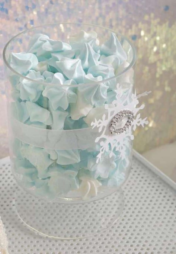 Frozen party treats - meringue cookies | CatchMyParty.com