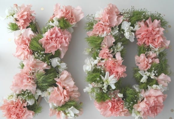 Monogram floral centerpiece DIY | CatchMyParty.com