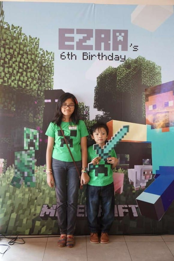 Minecraft Party Photo Booth| CatchMyParty.com