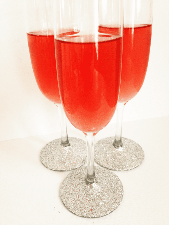 Glittered Flutes DIY | CatchMyParty.com