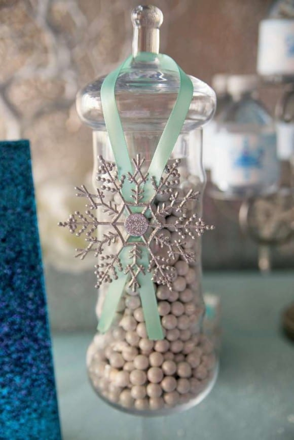 Frozen candy jar decoration ideas | CatchMyParty.com
