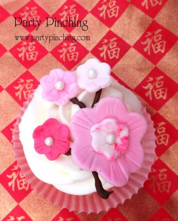 chinese new year cherry blossom cupcakes catchmypartycom