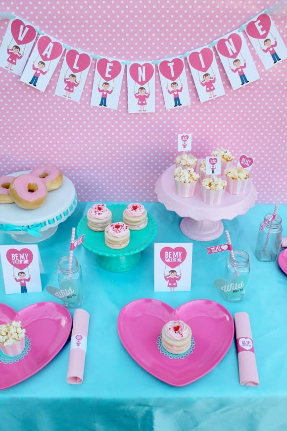 Treats at a Valentine's Day Party | CatchMyParty.com