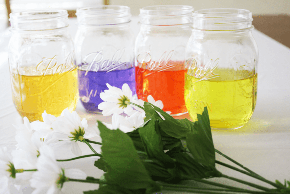 Colored water centerpieces | CatchMyParty.com