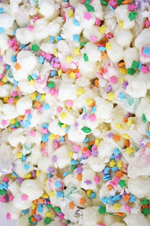 Easter Marshmallow Bark | CatchMyParty.com