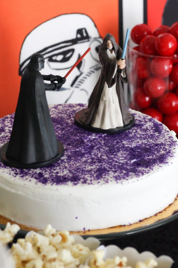 Star Wars Cake | CatchMyParty.com