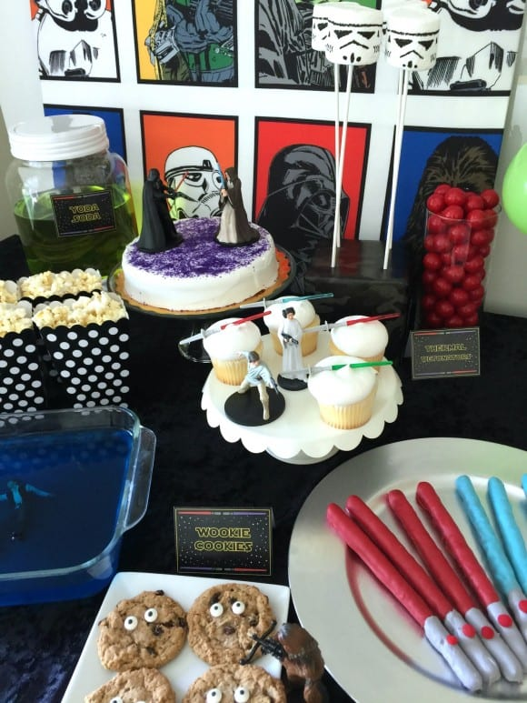 Star Wars dessert table | CatchMyParty.com
