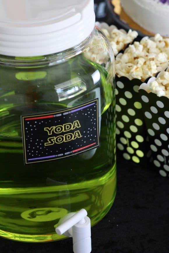 Star Wars party Yoda Soda | CatchMyParty.com