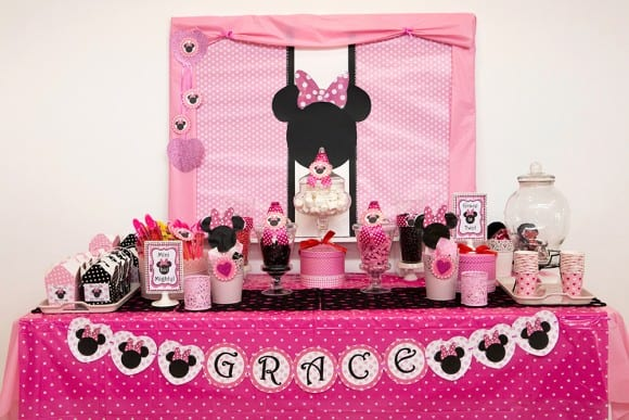 Minnie Mouse Dessert Table| CatchMyParty.com