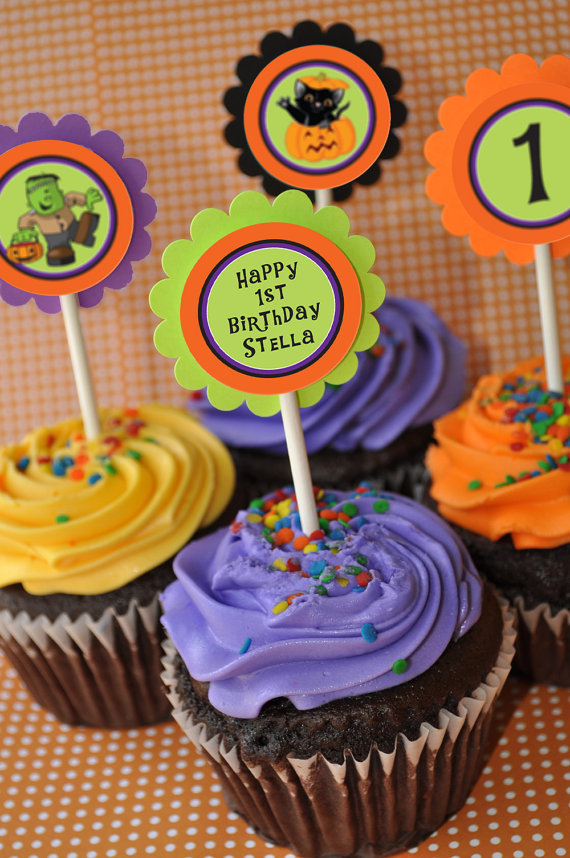 Halloween Cupcake Toppers from So Sweet Party Shop | CatchMyParty.com