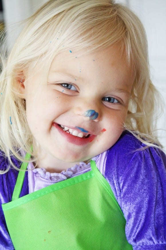 Greek yogurt DIY finger paint | CatchMyParty.com