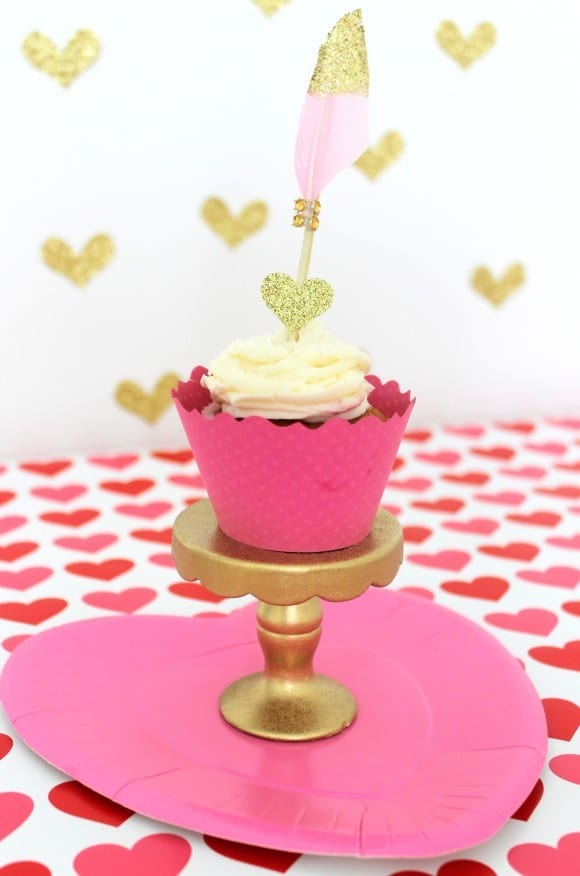 Glitter cupcake topper | CatchMyParty.com