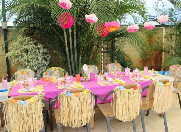 Hawaiian party table | Catchmyparty.com