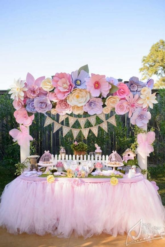 Gorgeous paper flower backdrops catch my party