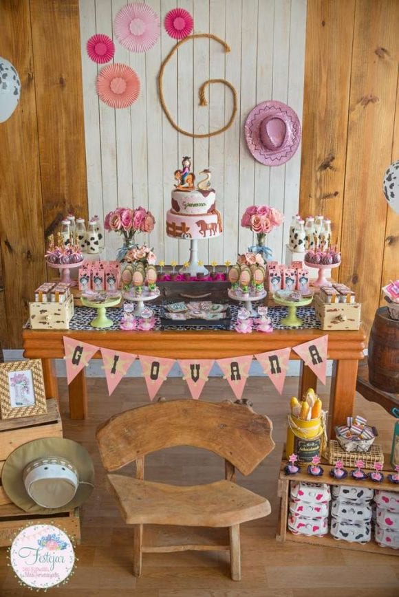 Cowgirl birthday party | CatchMyParty.com