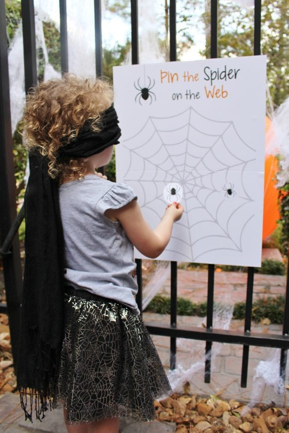 Pin the Spider on the Web Game | CatchMyparty.com