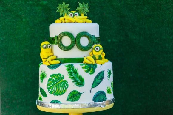 Minions gone bananas birthday party | CatchMyParty.com