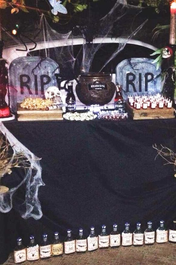 RIP Halloween Party | CatchMyParty.com