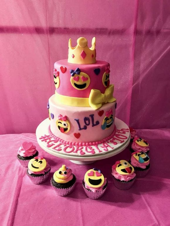 Emoji Birthday Cake | CatchMyParty.com