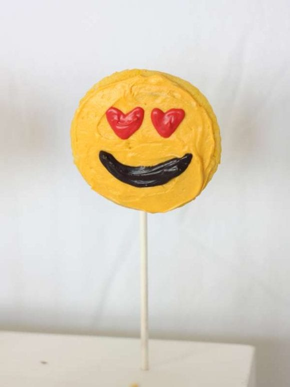 Emoji Cake Pops | CatchMyParty.com