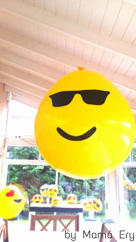 Emoji Balloon Decorations | CatchMyParty.com