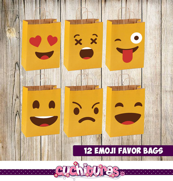Emoji favor bags | CatchMyParty.com
