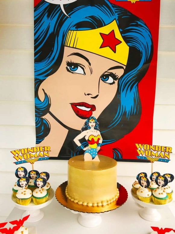Wonder Woman birthday party | CatchMyParty.com