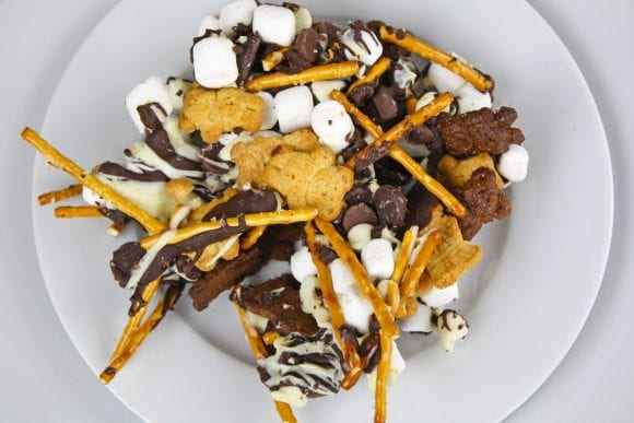 Tasty and Delicous Snacks Mix | CatchMyParty.com