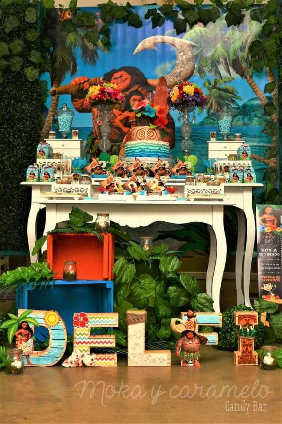 Delfina's Moana 7th birthday party | CatchMyParty.com