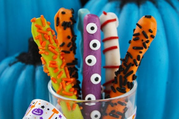 Halloween Pocky Food Craft | CatchMyParty.com