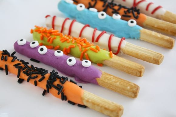 Breadsticks in different designs | CatchMyParty.com