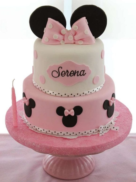 Minnie Mouse Birthday Cake | CatchMyParty.com